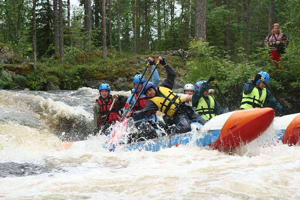 Сплав на катамаранах по реке Пистайоки в Карелии