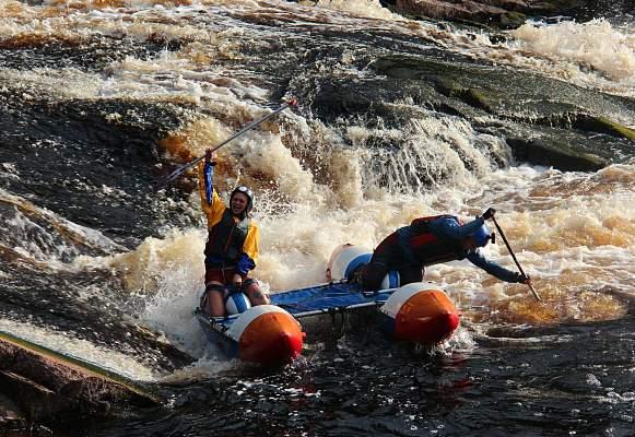Сплав на катамаранах по реке Укса в Карели